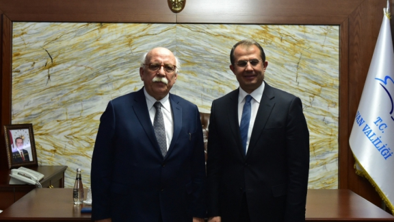 Minister Avcı visits Governor Taşyapan at his office